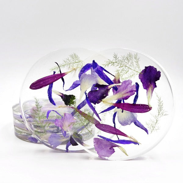 Resin Coasters made can be made with memorial flowers, funeral flowers, wedding flowers ... The possibilities are endless.