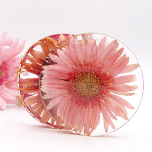 Resin flower petal coasters made from wedding flowers or funeral flowers. Keepsake