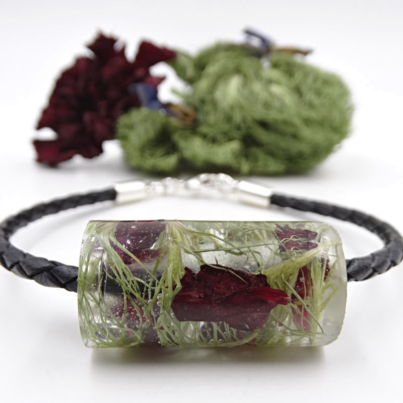 Leather bracelet made with dried flower petals, memorial bracelet, wedding flower bracelet