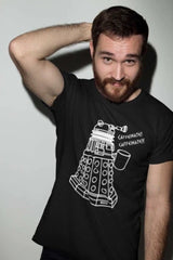 bearded craft brewer from Newtown Sydney wearing the new larger Dalek version of the Dr Who meme tshirt