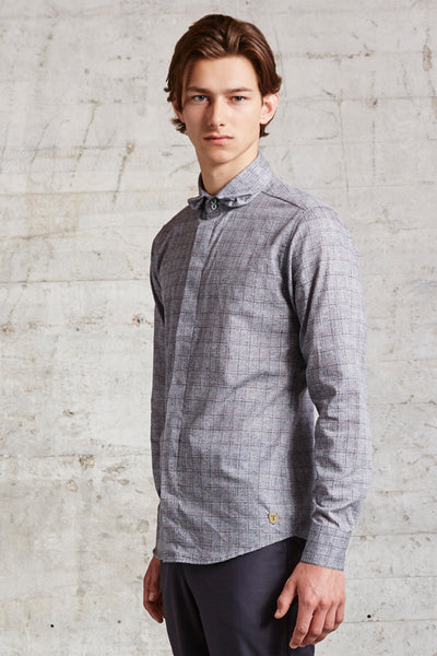 tailored fit shirt with 3D Peter Pan collar made from the finest Italian cotton