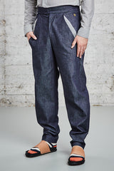 ssfw 153: relaxed fit trousers made from organic cotton