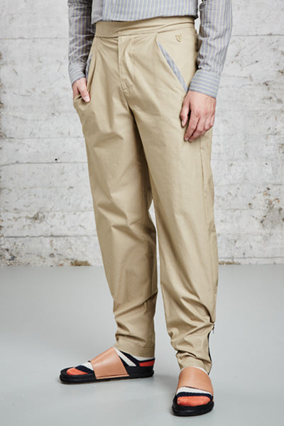 ssfw 153: relaxed fit cotton trousers