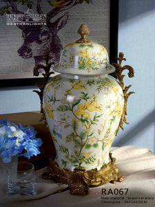 Covered Porcelain Centerpiece Vase Gilded Dior Ormolu Trim Urn Centerpiece