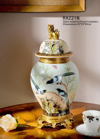 Classical Craft Porcelain Decorative Pot Centerpiece