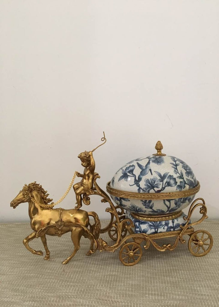 Decorative Horse-Drawn Trama -  westmenlights