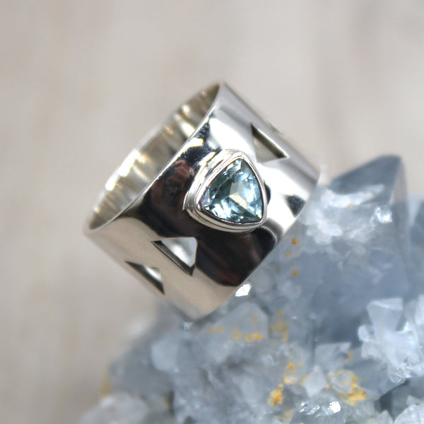 Sterling Silver Topaz Triangle Banded Ring