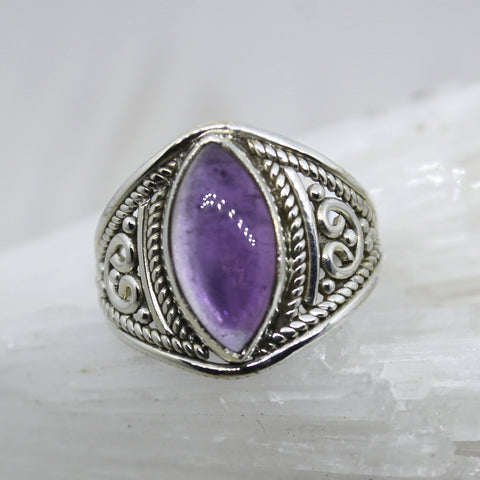 925 Sterling Silver and Amethyst Pointed Oval Ring