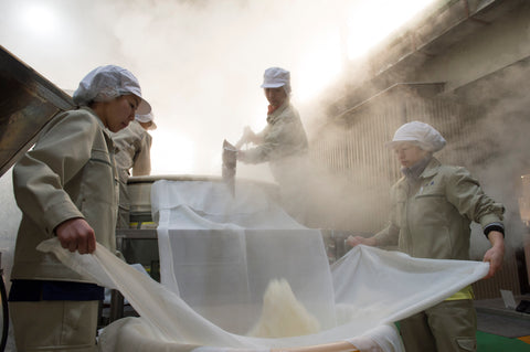 Steaming rice for sake
