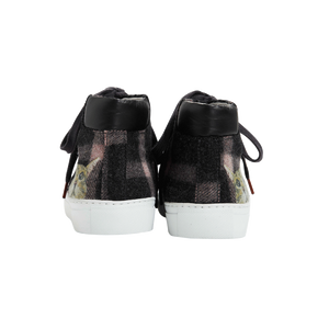 High Top women sneakers in dark grey wool with pink stipes tartan way and the emblematic cat face from Paul & Joe Sister on the rear part of each shoe - back view