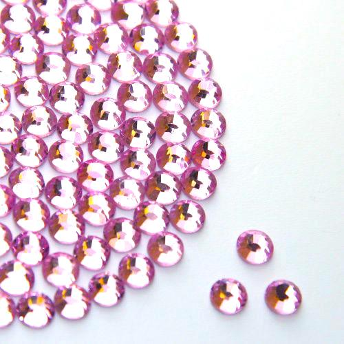 Pale Pink Glass Rhinestone (Glue on)