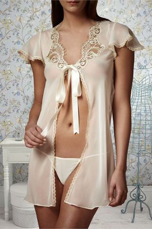 Ivory Icing Shortie Robe - Frances Smily