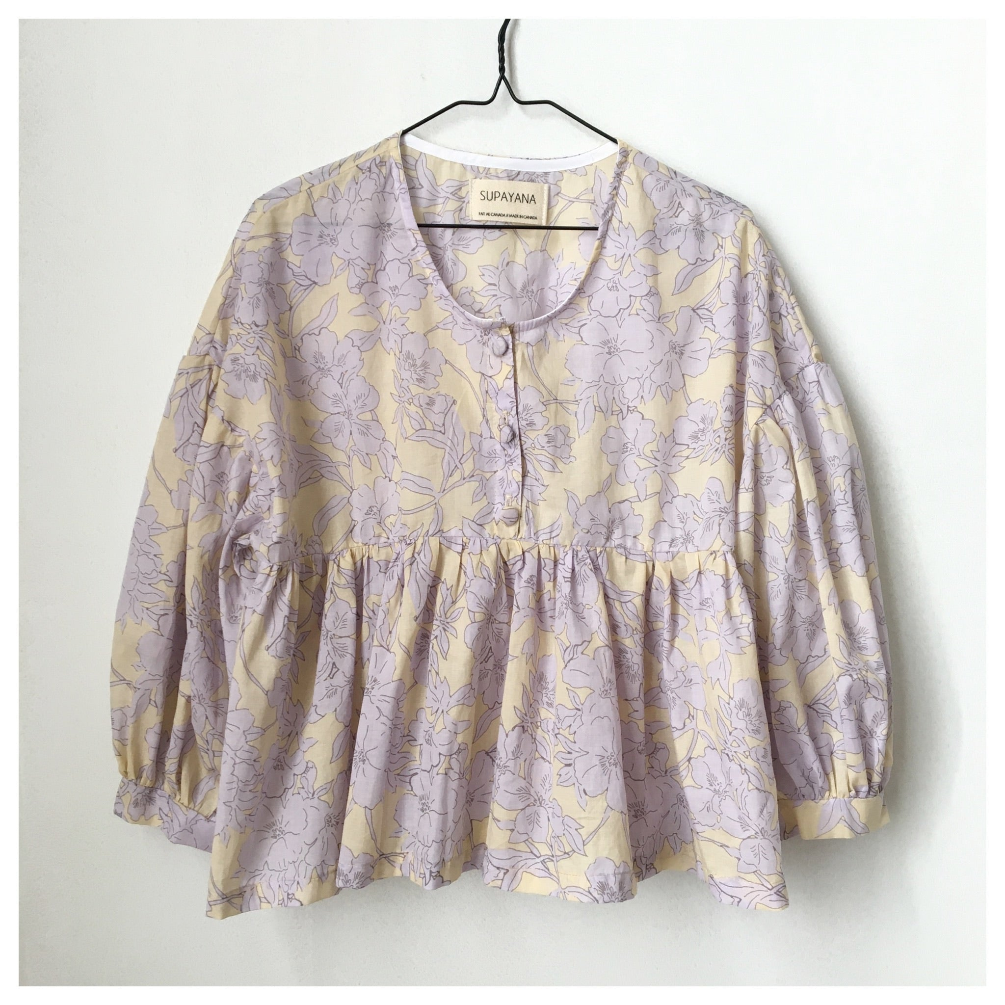 Lilac floral puff sleeve top