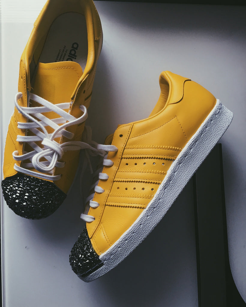 DIAMOND CRYSTAL FRONT TAN ADIDAS SUPERSTARS