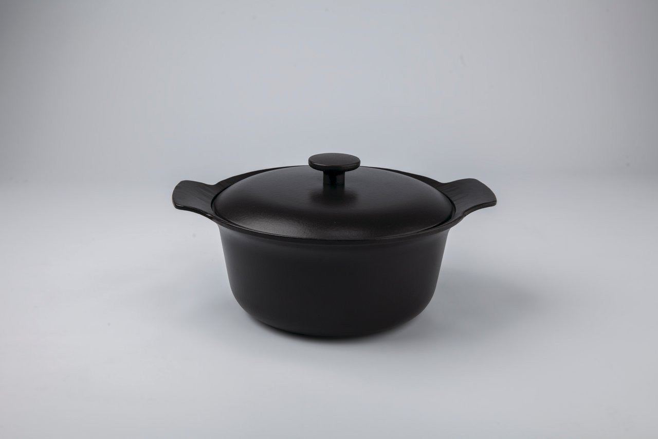 Ron 24cm Cast Iron Casserole With Lid in Black Pepper