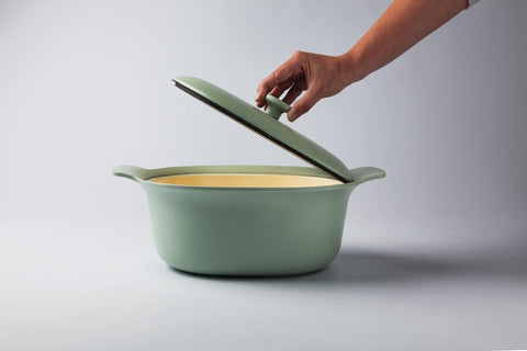Ron 28cm Cast Iron Casserole Dish with Lid in Sage