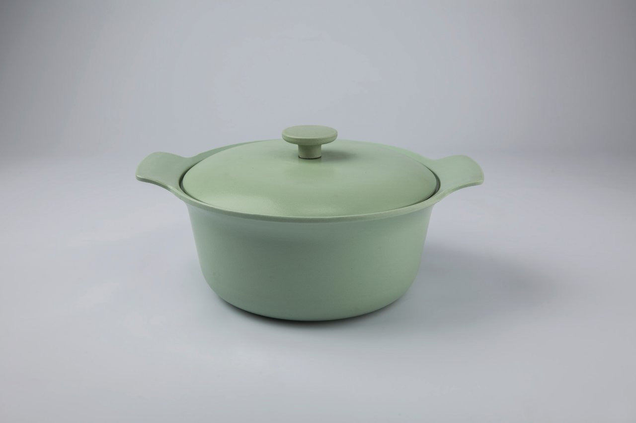 Ron 24cm Cast Iron Casserole Dish with Lid in Sage