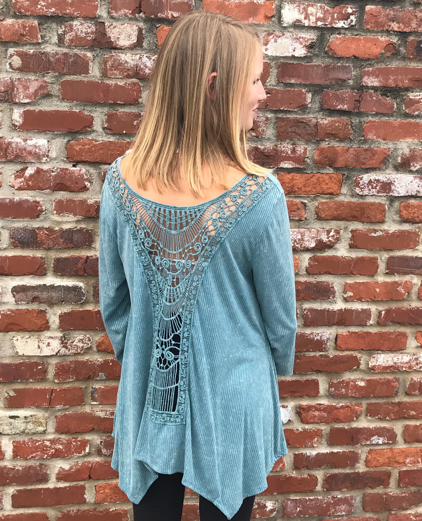 Garment dyed top with embroidery serendipity th