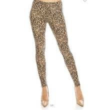 Load image into Gallery viewer, Leggings - Leopard - Curvy Set