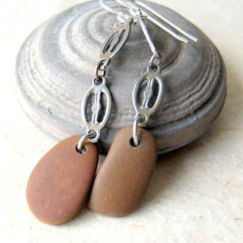 Beach stone earrings combined with vintage chain links.