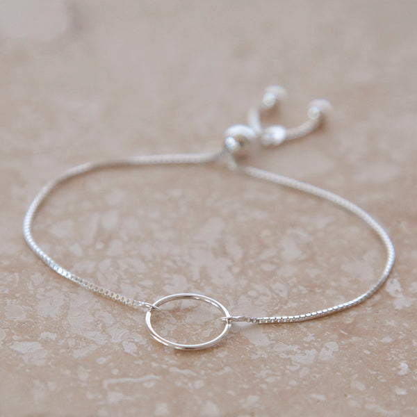 Mom Jewelry - Custom silver bracelet for mothers.