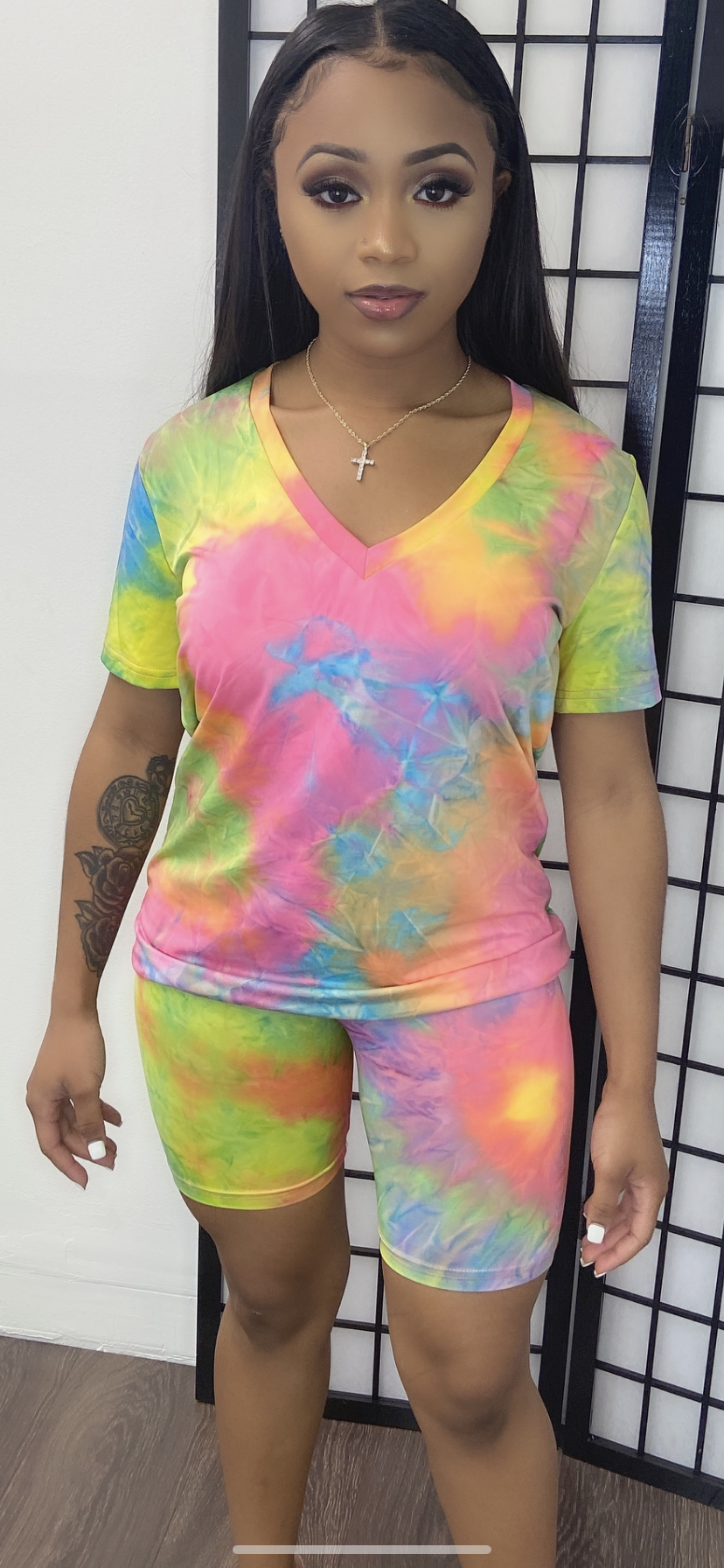 TWIST BASIC V-NECK SHORT SET-TIE DYE - Spice Boutique