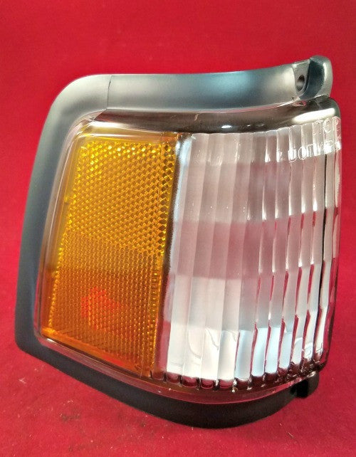 Chevrolet Celebrity '87 - '90 Front Right Light TYC 18-1857-01 OEM 5974656 - Lights - Metal Logics, Inc. - 3