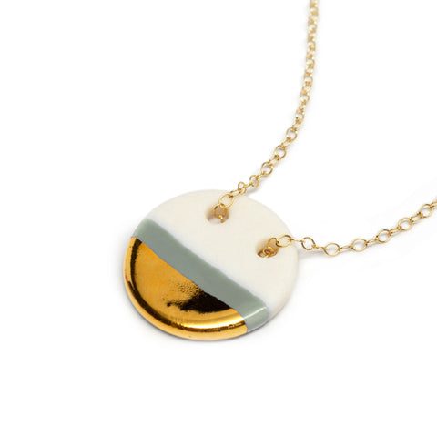 gray circle necklace