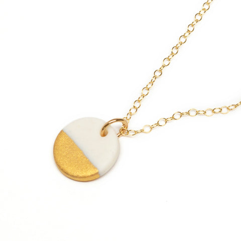 small circle necklace in matte gold