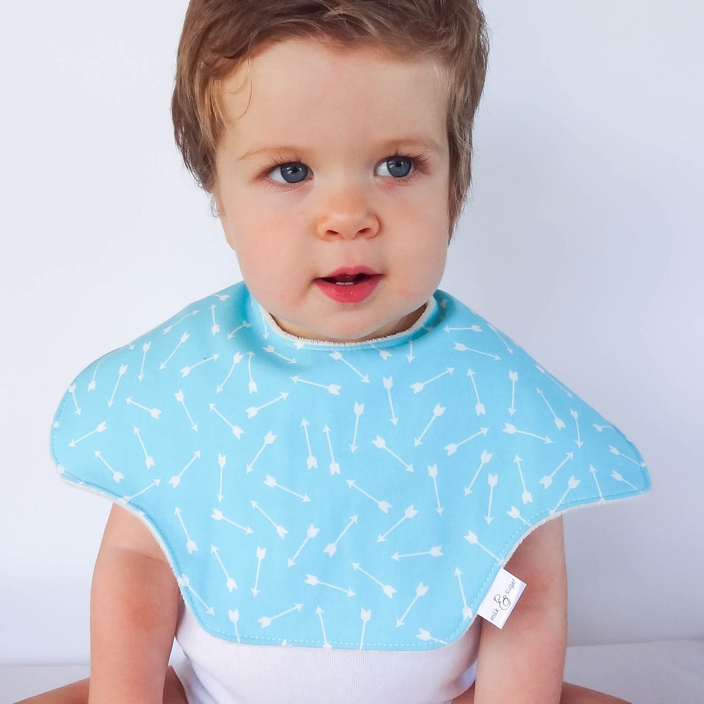 MILK & SUGAR BABY - Bibcloth 2-in-1 burp cloth and bib - Arrows (blue)