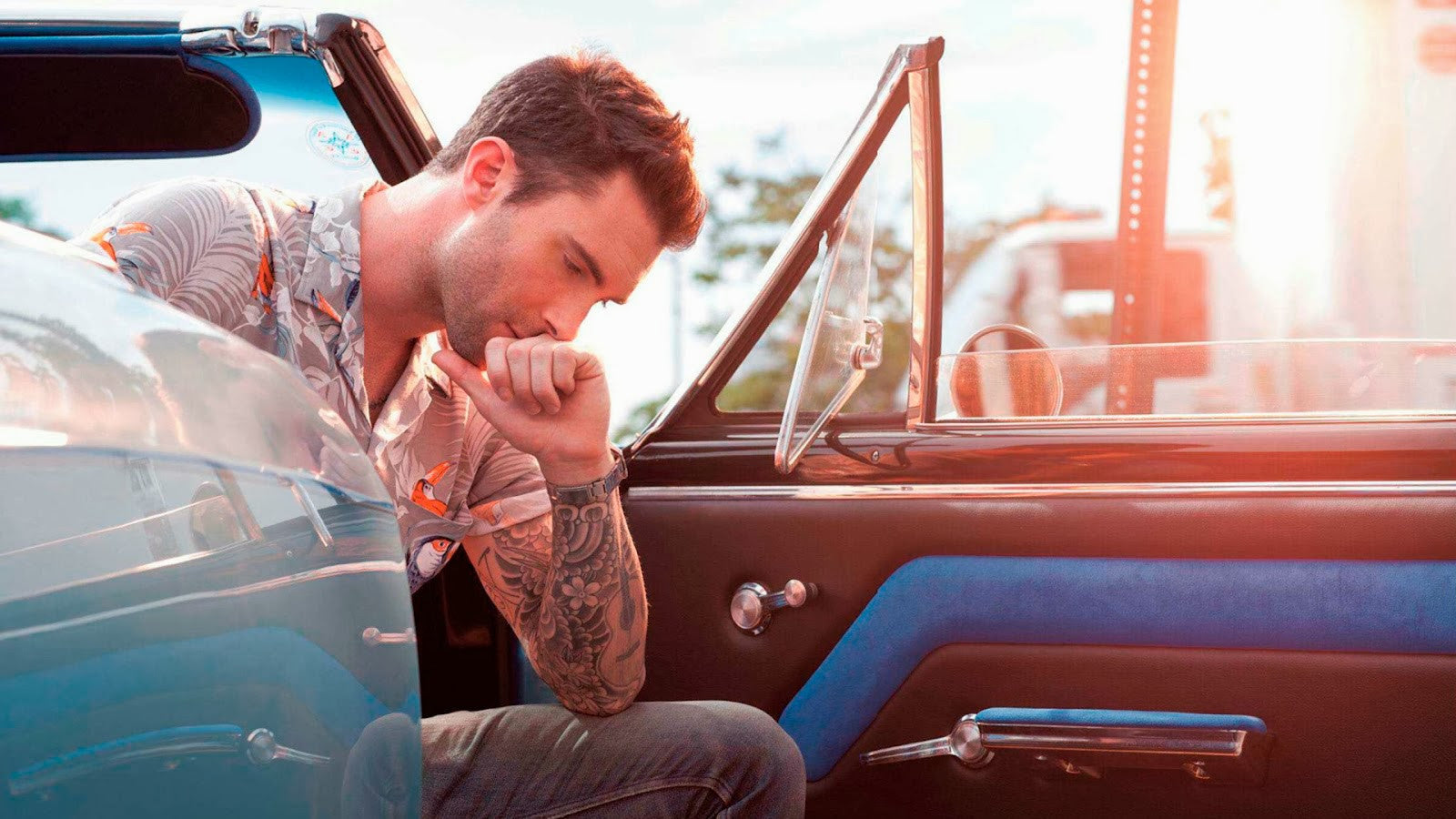 10 Looks que copiarle a Adam Levine