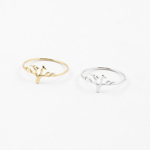 Tree of life ring available in gold and silver. Tree has brances but no leaves. Available in sizes 6, 7 and 8. Greate family gift