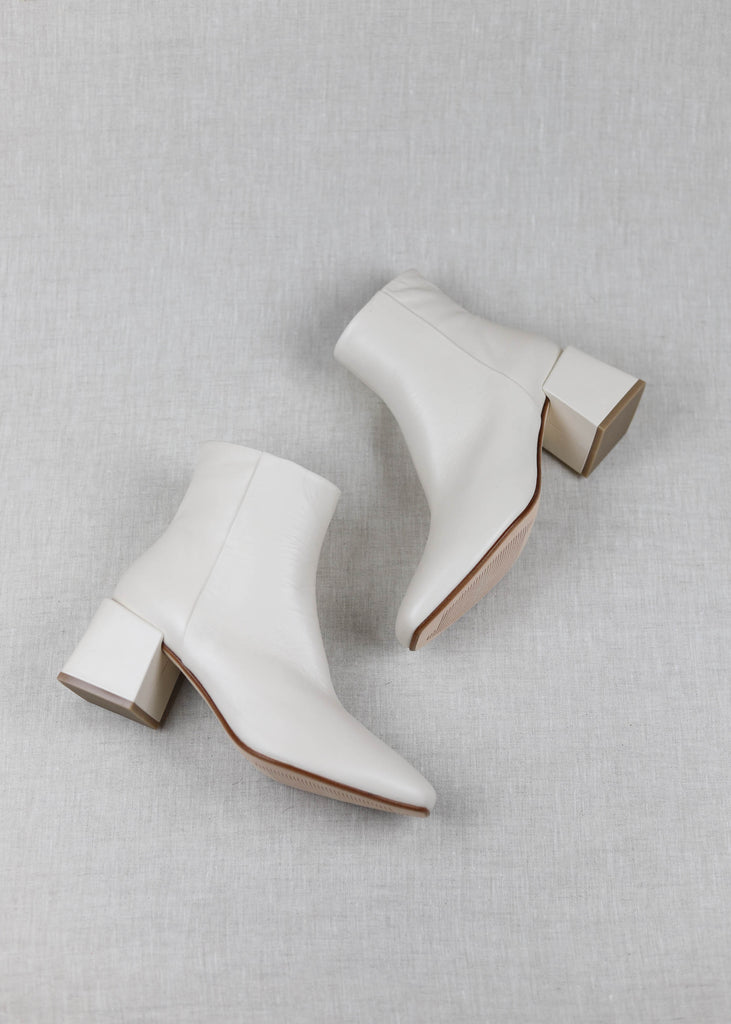 Lazaro in Crema Leather