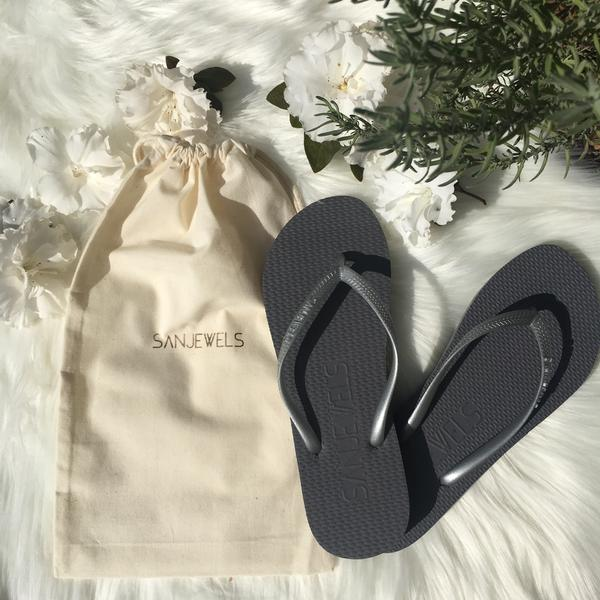 Bulk Buy Flip-Flops for Guests - SILVER
