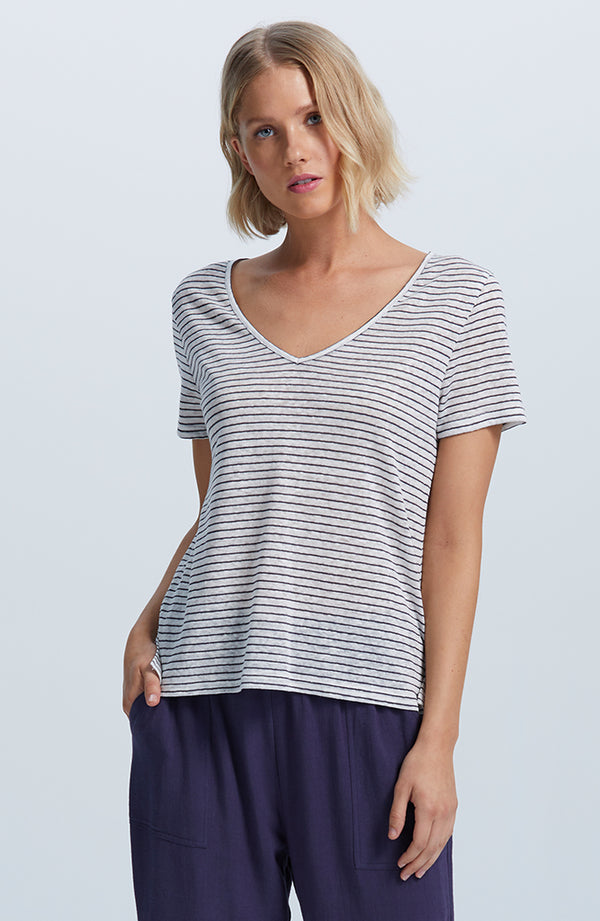 Drifting V-Neck Tee
