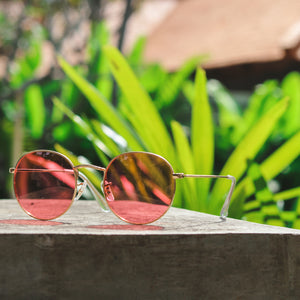 metal frame round sunglasses styled
