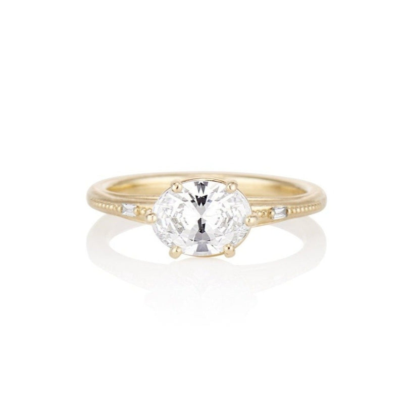 'Regency' Six prong oval diamond engagement ring