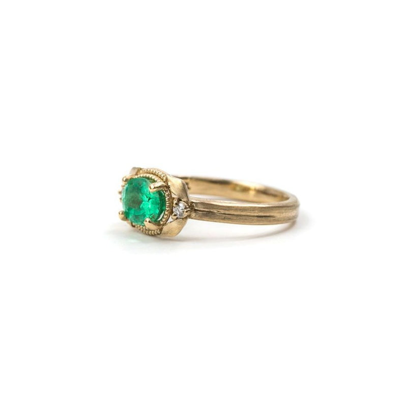 Laurel Oval Emerald Ring