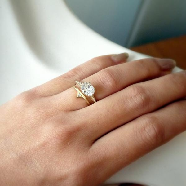 Regency Six prong oval diamond engagement ring
