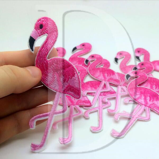 1 PCS Flamingo Animals parches Embroidered Iron on Patches for Clothing DIY Stripes Clothes Stickers Custom Badges 5.5*9 CM @M3