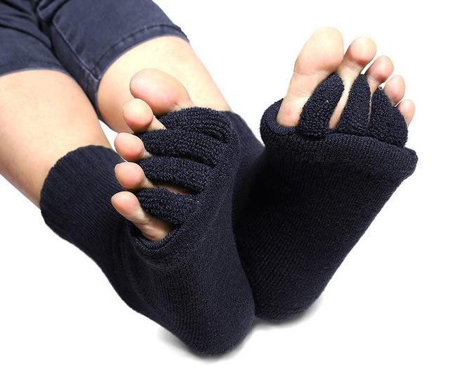 Toe Free Socks for Indoors, Toe Separator Socks, Toe Socks - Cerkos  - 1