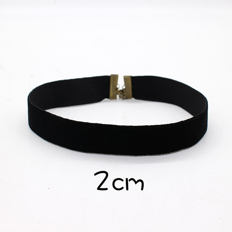 2017 Fashion Black Velvet Choker Necklace 90's plain Ribbon Gothic round Burlesque rope chain Statement Jewelry Retro for Women