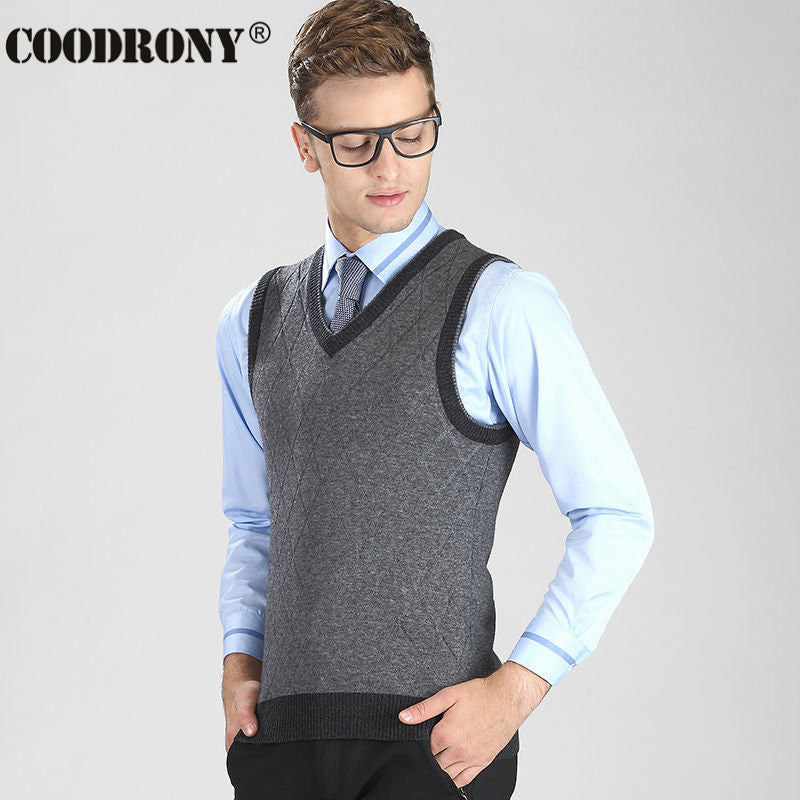 2017 New Arrival High Quality V-Neck Vest Men Argyle Business Coat Sleeveless Cashmere Sweater Men Casual Wool Pullover OEM 6402