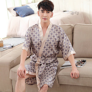 2017 Pijamas Male New Men Luxury Bathrobe Geometric Robes V-neck Imitation Silk Knitted Sleepwear Full Sleeve Nightwear 1628