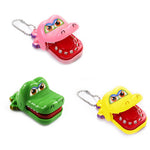 Random Color Large Funny Trick Crocodile Dentist Toy Bite Finger Game Novel Toy With Key chain Mouth for Kids Gift FJ88
