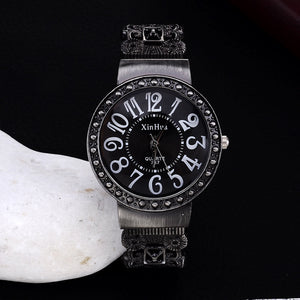 2016 New Hot Fashion Calm Black Bracelet watches Women Rhinestone Crystal WristWatches Business Women dress watch