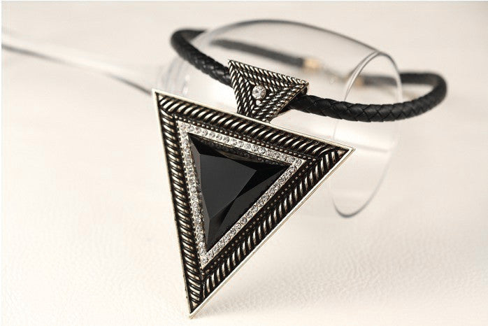 Free Shipping New 2015 Hot Pendant Necklace Fashion Chokers Necklaces Triangle Pendants Rope Chain for Gift Party Wedding - Cerkos  - 3