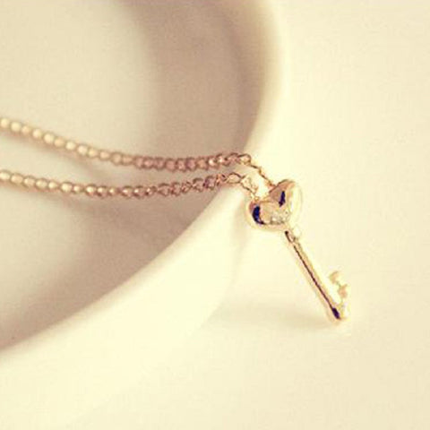 Fashion Adorable Simple Sweet Golden Color Heart Shape Key Shaped Necklace Pendant Girl Party Prom Hot - Cerkos.com