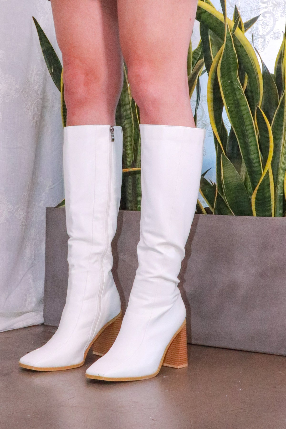 Nasty Gal - White Square Toe Knee High Boot - 9