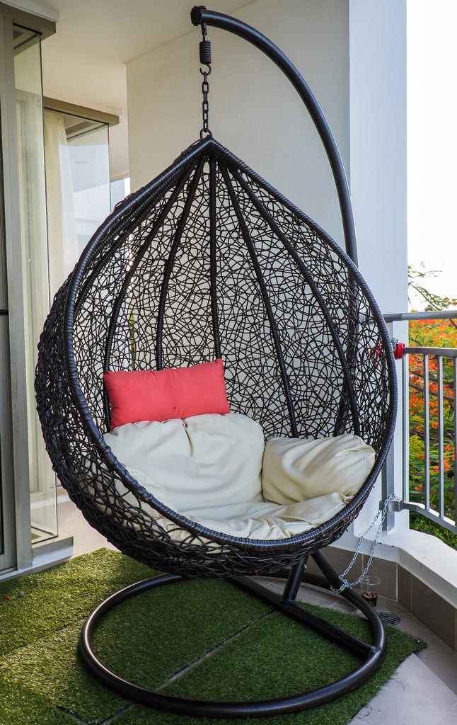 The Indoor Hanging Egg Chair Vs The Outdoor Hanging Egg Chair